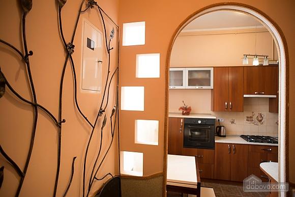 Квартира полулюкс в центре, 1-комнатная (31610), 024