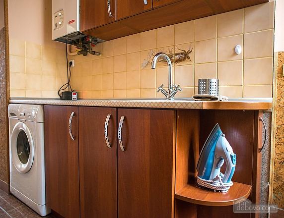 Квартира полулюкс в центре, 1-комнатная (31610), 025