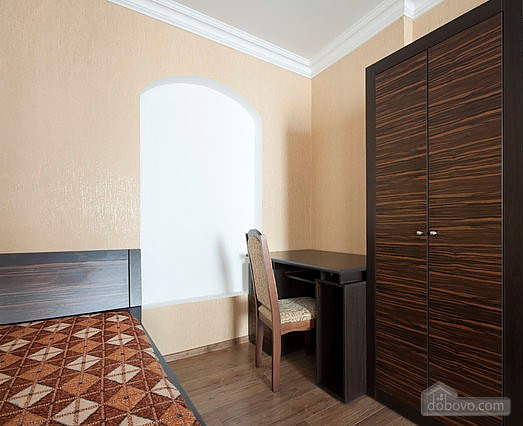 Apartment in the historical part of the city, Studio (50985), 007