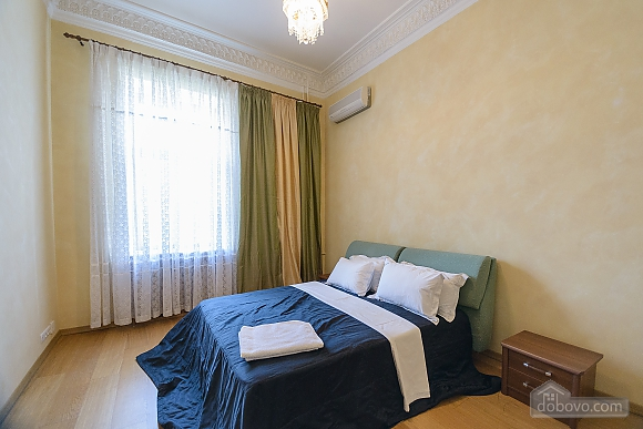 Classic Jacuzzi three bedroom apartment with kitchen and balcony, Vierzimmerwohnung (24803), 013
