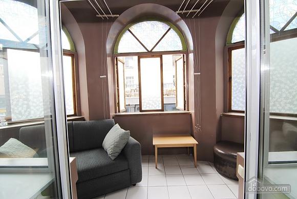 Сучасна квартира в самому центрі, 4-кімнатна (35709), 010