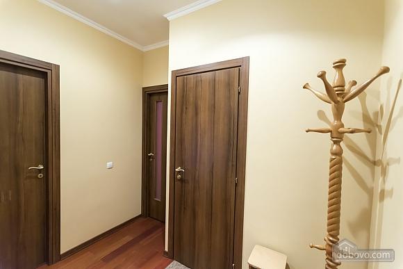 Стильна квартирі біля метро, 3-кімнатна (93902), 027