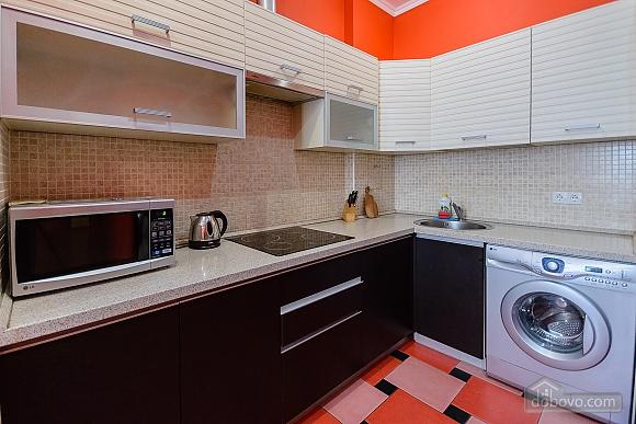 Стильна квартирі біля метро, 3-кімнатна (93902), 007