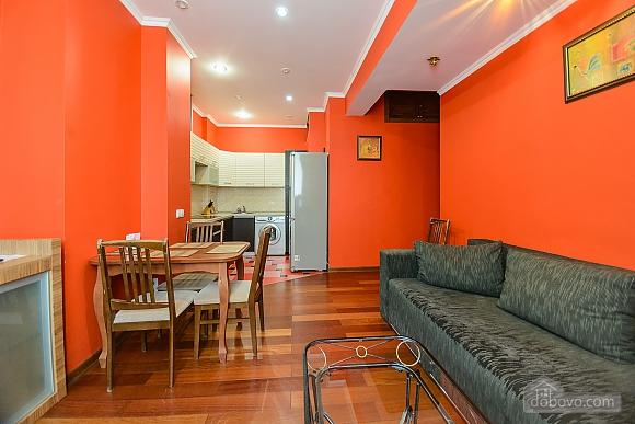 Стильна квартирі біля метро, 3-кімнатна (93902), 013