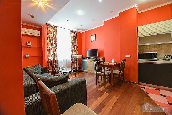 Стильна квартирі біля метро, 3-кімнатна (93902), 015