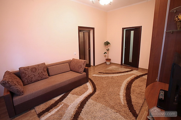 Затишна квартира в центрі, 2-кімнатна (28342), 003