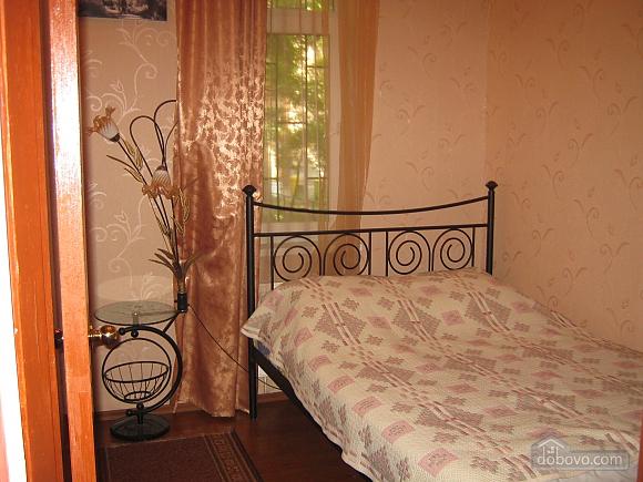 Квартира в центрі міста, 3-кімнатна (27164), 004
