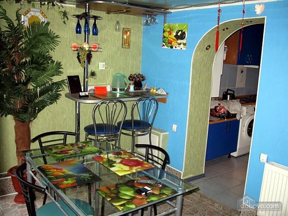 Apartment on Chkalova, One Bedroom (48618), 001