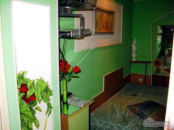Apartment on Chkalova, One Bedroom (48618), 002