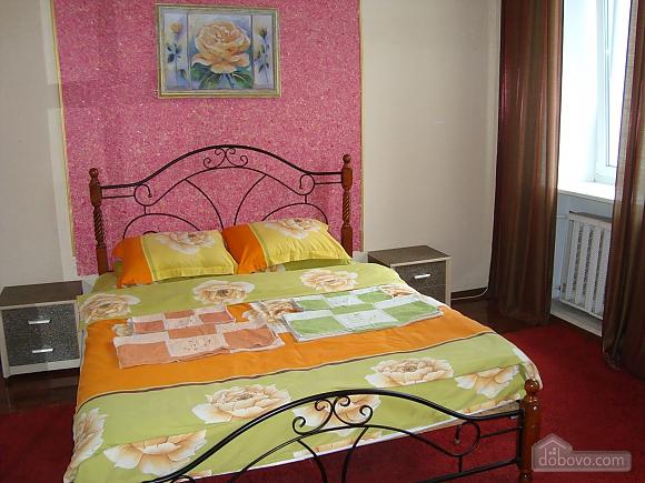 Colorful apartment on Maidan Nezalezhnosti square, Two Bedroom (61410), 001
