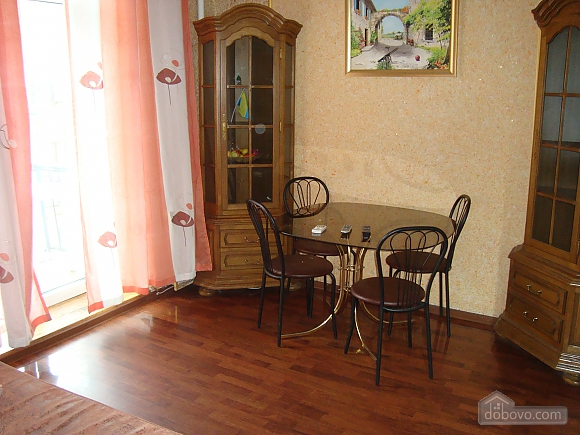 Colorful apartment on Maidan Nezalezhnosti square, Two Bedroom (61410), 004