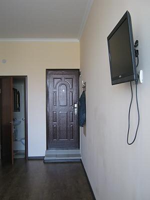 Квартира в центрі в новому будинку, 1-кімнатна, 002