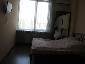 Квартира в центрі в новому будинку, 1-кімнатна, 001