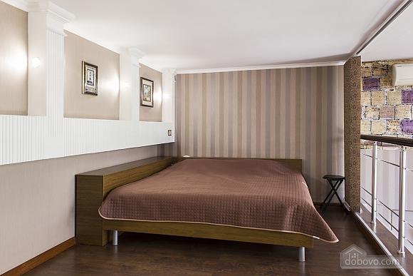 Дворівневі апартаменти біля моря, 2-кімнатна (51599), 004