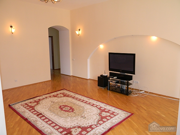 Luxury apartment in the city center, Due Camere (12425), 003