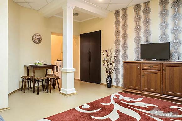 Красива квартира в самому центрі, 2-кімнатна (83859), 004