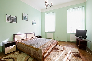 Квартира в центрі з Wi-Fi, 2-кімнатна, 001