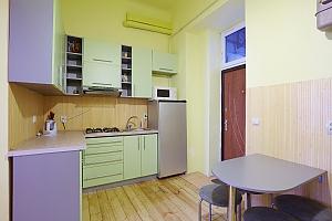 Квартира в центрі з Wi-Fi, 2-кімнатна, 004