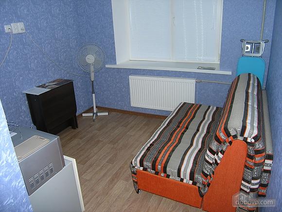 Квартира неподалік від залізничного вокзалу, 1-кімнатна (15387), 001