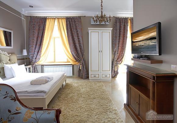 Luxury apartment in the center of Kiev, Studio (10069), 002