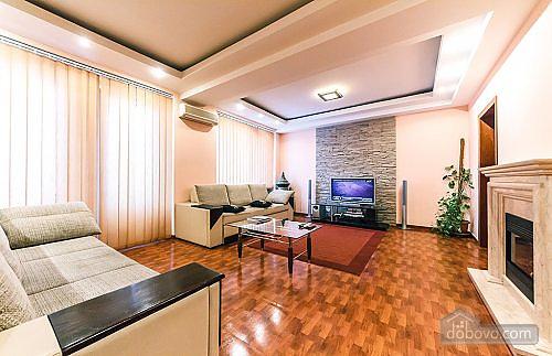 Апартаменты с камином на Бессарабской площади, 2х-комнатная (78974), 001