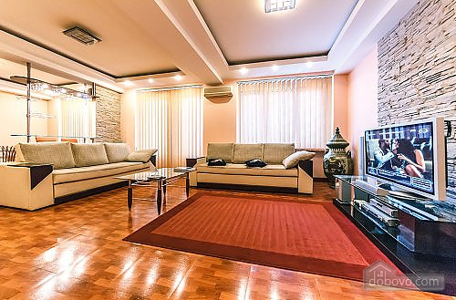 Apartment with a fireplace on Besarabska square, One Bedroom (78974), 002
