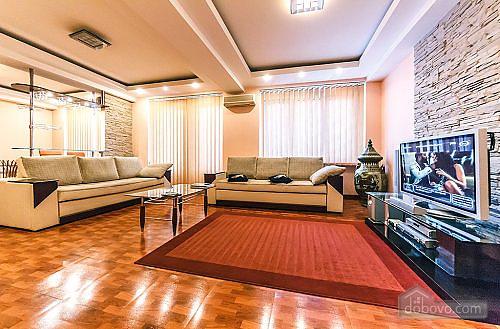 Апартаменты с камином на Бессарабской площади, 2х-комнатная (78974), 002
