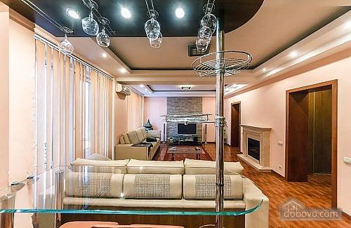 Апартаменты с камином на Бессарабской площади, 2х-комнатная (78974), 004