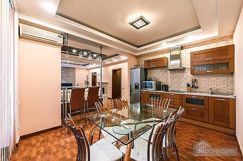 Apartment with a fireplace on Besarabska square, One Bedroom (78974), 005