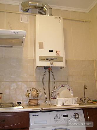 Квартира возле станции метро 23 Августа, 2х-комнатная (97313), 003