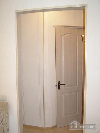 Квартира возле станции метро 23 Августа, 2х-комнатная (97313), 006