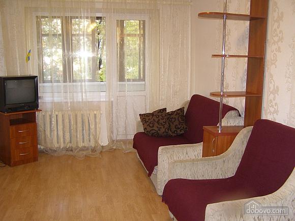 Квартира возле станции метро 23 Августа, 2х-комнатная (97313), 001