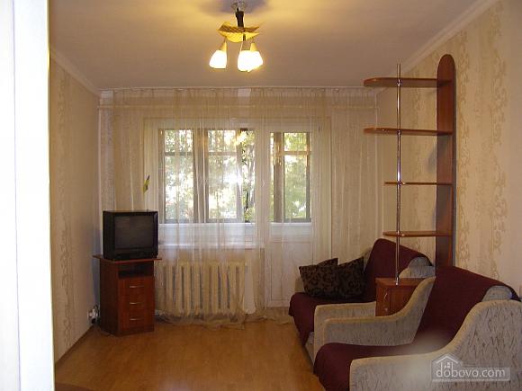 Квартира возле станции метро 23 Августа, 2х-комнатная (97313), 010