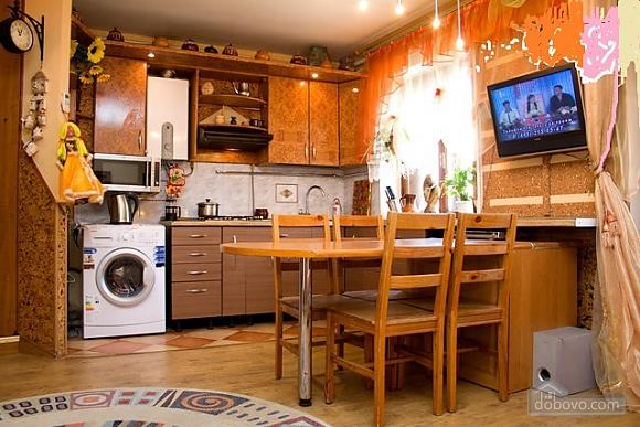 Затишна двокімнатна квартира, 2-кімнатна (94897), 002