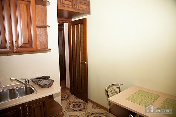 Апартаменты в тихом центре, 2х-комнатная (74226), 009