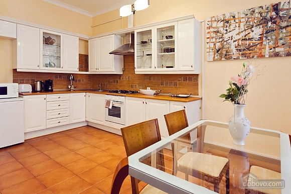 Beautiful LUX three bedroom apartment on 8B Khreschatyk street, Trois chambres (92657), 018