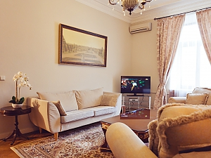 Luxury LUX three bedroom on 8B Khreshchatyk street, Trois chambres, 004