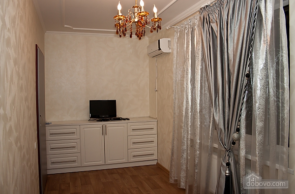 VIP apartment with 1 bedroom (Wi-Fi), One Bedroom (43877), 004