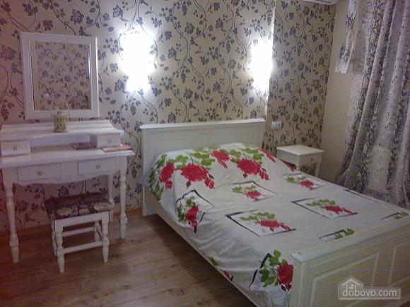 Уютные апартаменты в Киеве, 1-комнатная (66591), 006