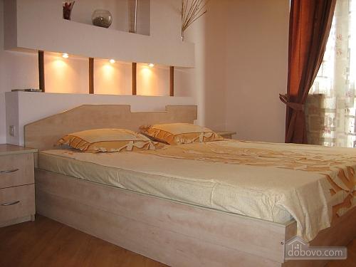 Квартира на Червоноармійській, 2-кімнатна (44602), 001