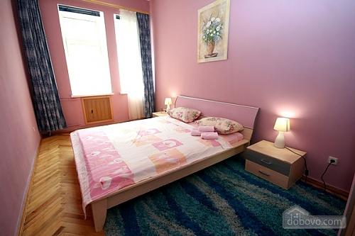 20 Малая Житомирская, 3х-комнатная (44734), 012