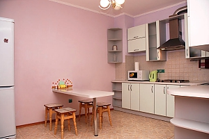 Apartment in a new building near the IEC, Dreizimmerwohnung, 003