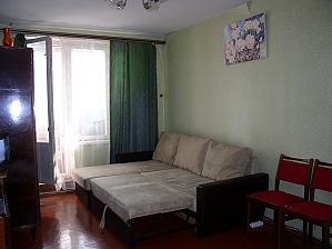 Затишна квартира біля метро Героїв Праці, 1-кімнатна, 004