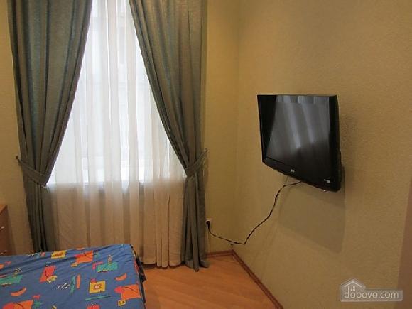 Затишна квартира біля Дерибасівської та Міського саду, 1-кімнатна (16287), 001