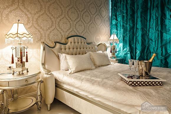 Роскошная квартира в Аркадийском дворце, 2х-комнатная (73183), 003