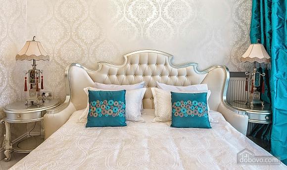 Роскошная квартира в Аркадийском дворце, 2х-комнатная (73183), 004