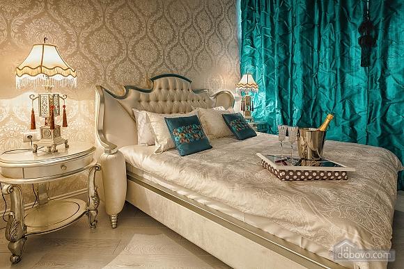 Роскошная квартира в Аркадийском дворце, 2х-комнатная (73183), 001