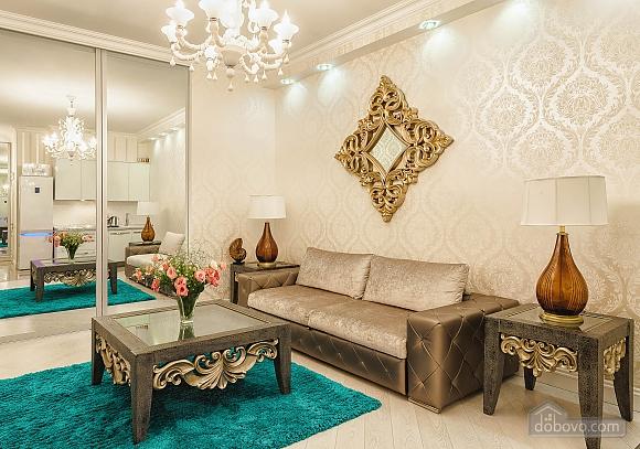 Роскошная квартира в Аркадийском дворце, 2х-комнатная (73183), 002