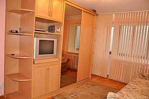 Apartment near metro Klovska, Studio, 002