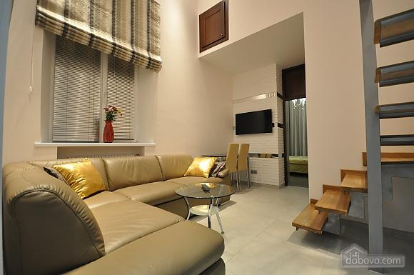 Роскошные двухэтажные апартаменты, 3х-комнатная (26314), 002